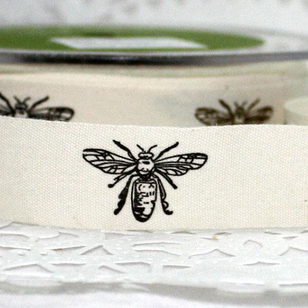 bee ribbon by papersandbox
