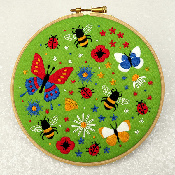 bees and butterflies embroidery pattern by Ohsewbootiful
