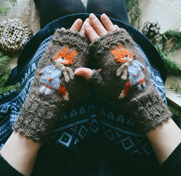 liskin dol knitted fox mittens