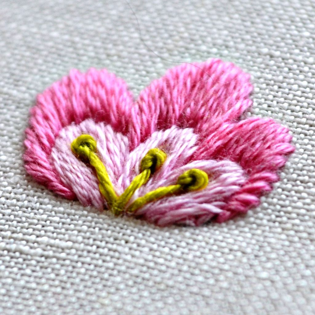 satin stitch flower embroidery tutorial