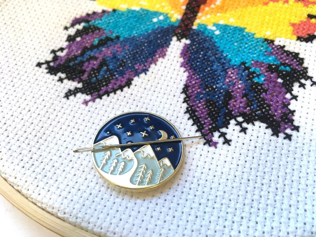 starry mountains needle minder by Leia Patterns