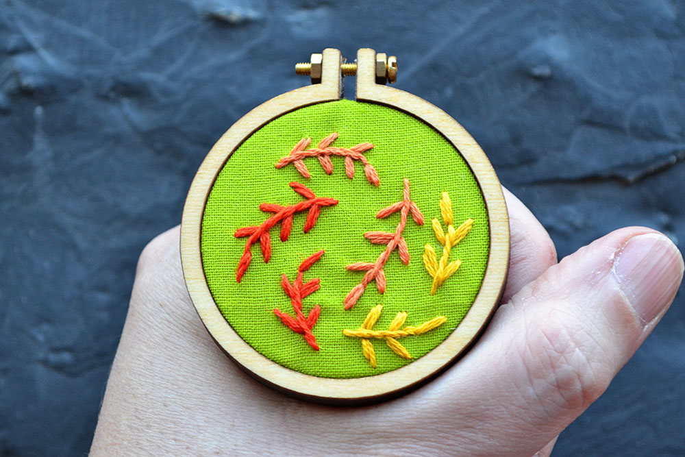 autumn leaves free embroidery pattern