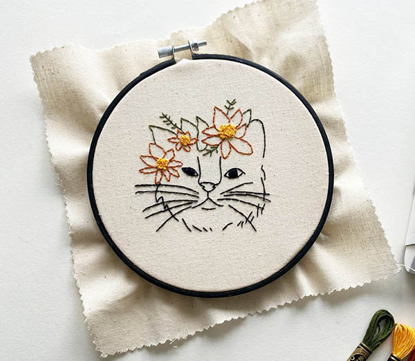 flower crown kitty by stitchwithskye