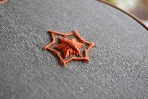 how to embroider the star-shaped Rhodes stitch